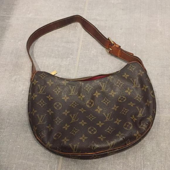 dc2c602bf27f Louis Vuitton Handbags - LV Vintage Half Moon Handbag.